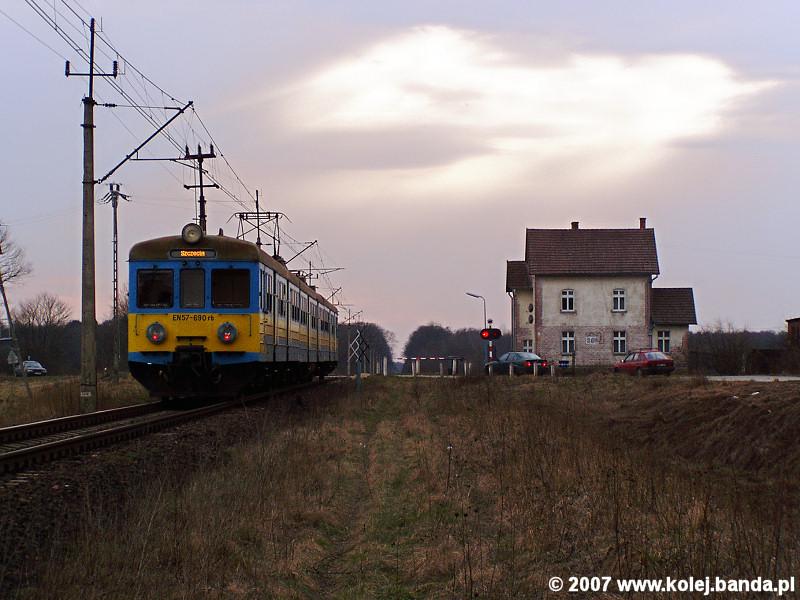EN57-690