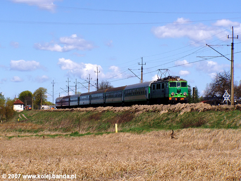 EU07-215