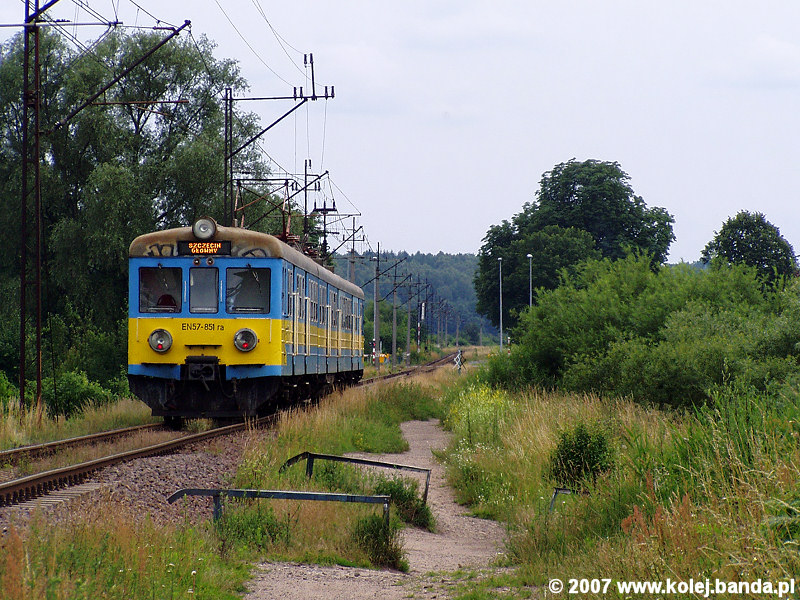 EN57-851