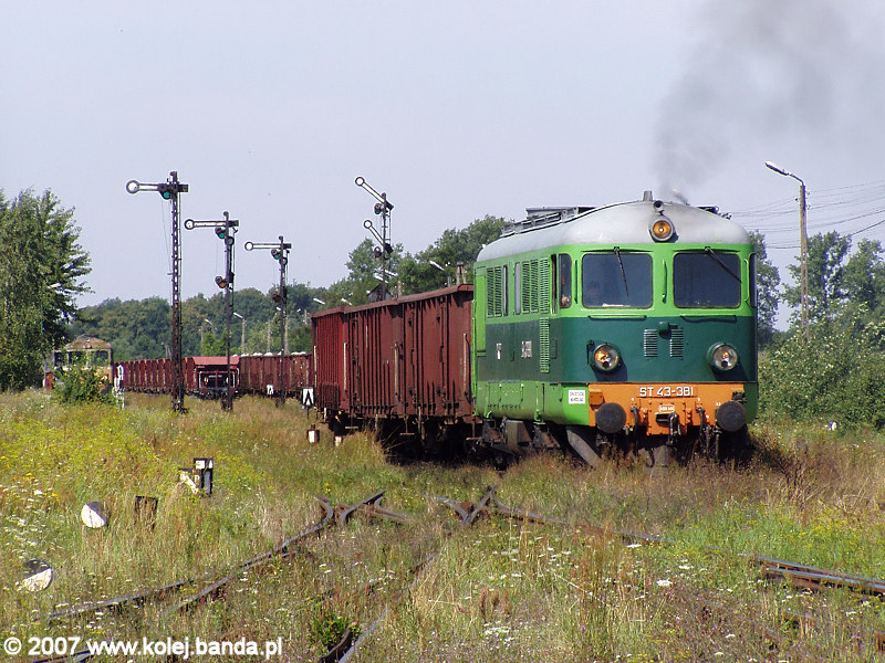 ST43-381