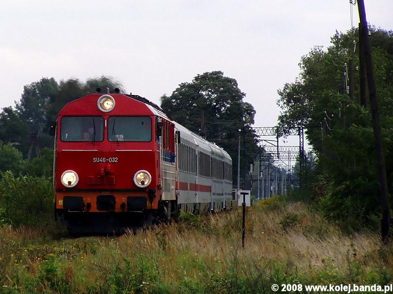 SU46-032