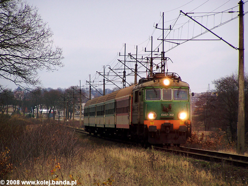 EU07-302