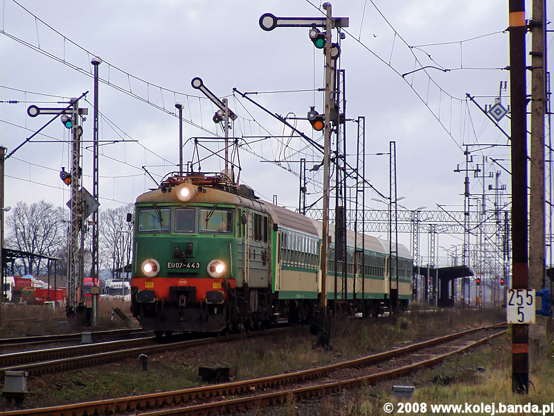EU07-443