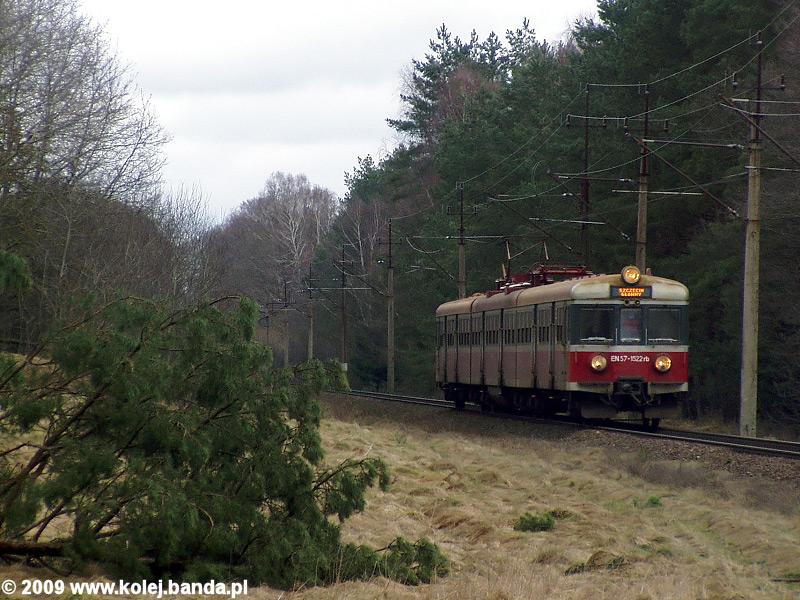 EN57-1522