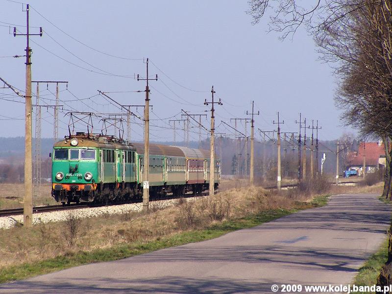 EU07-221