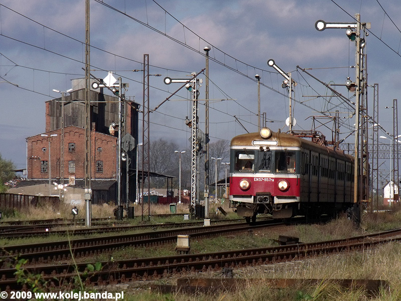 EN57-957