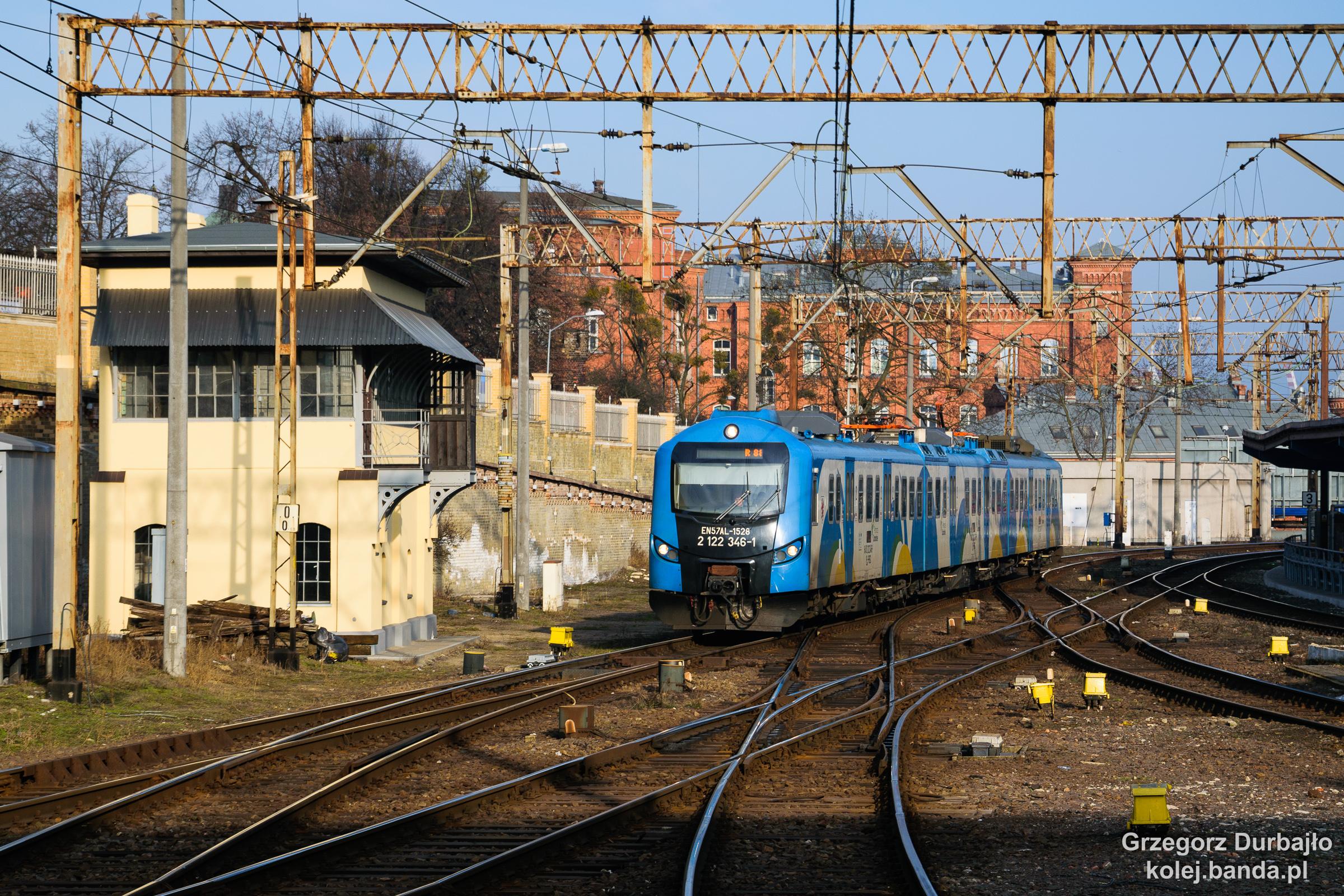 EN57AL-1528