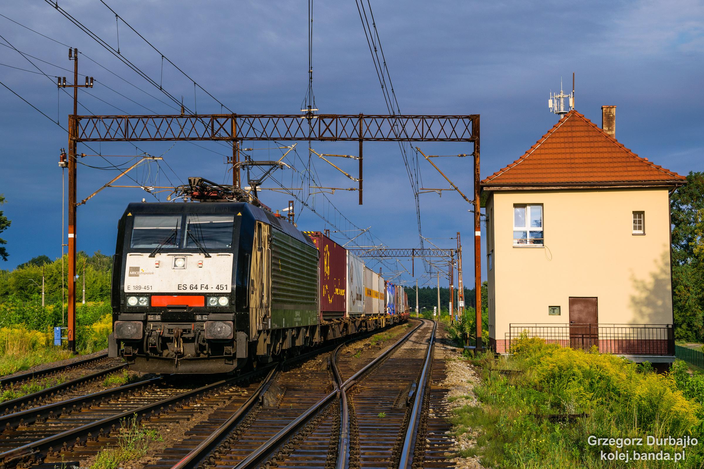 E189-451