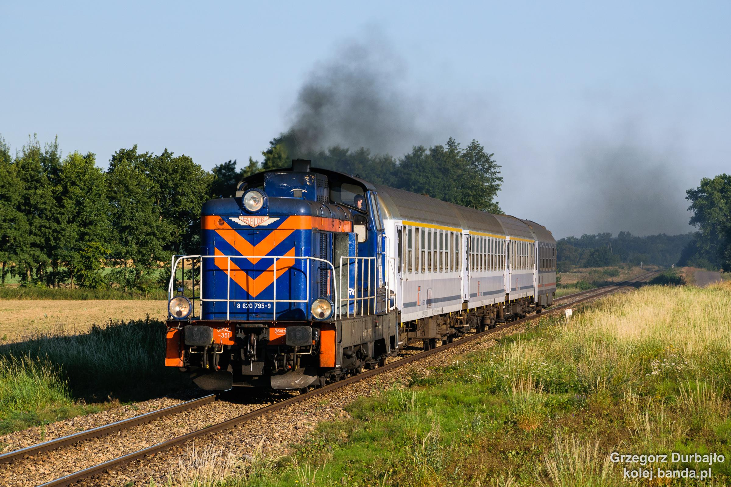 SM42-351